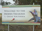 sign that says welcome to the hidden treasures great southern